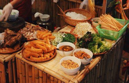 Dịch vụ đặt đồ ăn trực tuyến vì sao lại hot đến vậy?